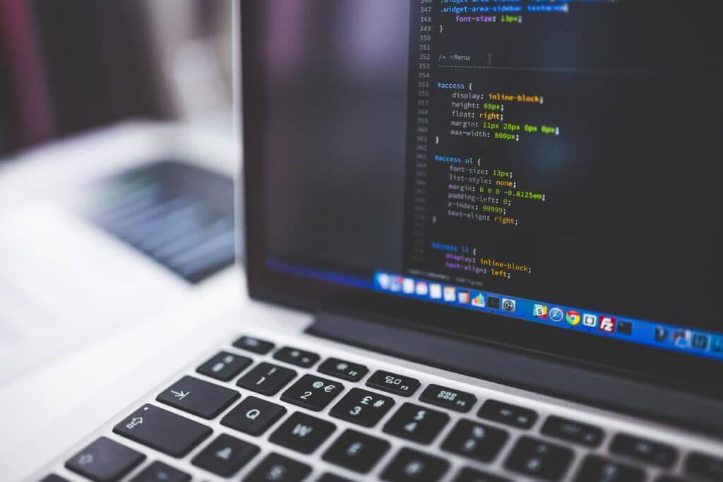 Website zelf maken of uitbesteden laptop